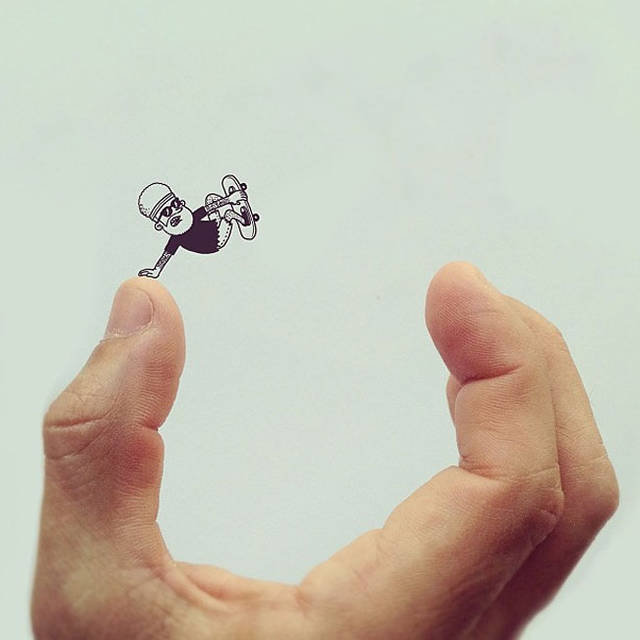 指をハーフパイプに見たててトリックをきめる。キレイにきまってますね!かっくぃ〜