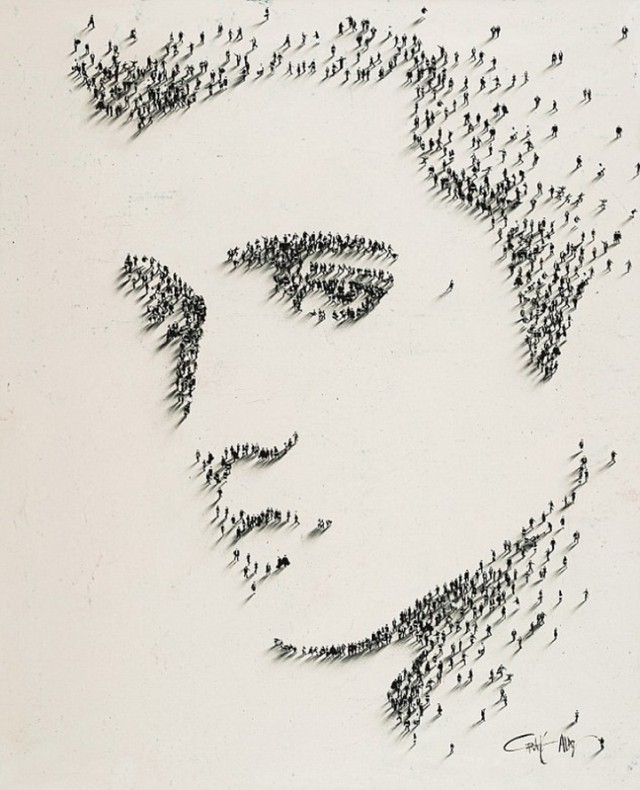 エルビス・プレスリー。点描の点がひと。群衆で描かれた有名人の肖像画。