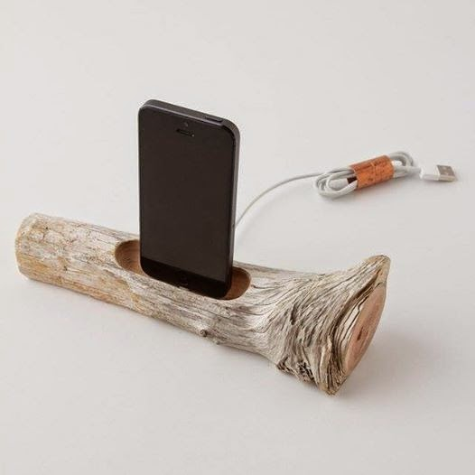 良質なエネルギーを充電?流木タイプのUSBケーブル。